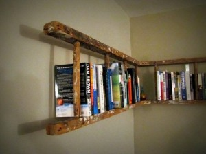 Wooden-Ladder-Bookshelf